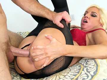 Curly fair-haired milf Jessica Taylor gets pantyhose torn and cunt pounded